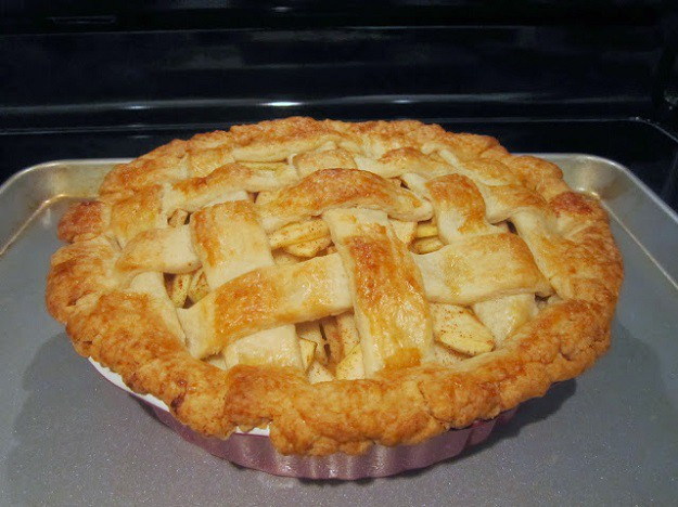 homemade apple pie, homemade apple pie recipe, how to make homemade apple pie, easy homemade apple pie, homemade apple pie crust, how to make a homemade apple pie, recipe for homemade apple pie, how to make apple pie