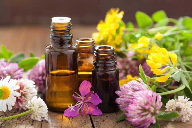 Essential Oils for Depression, Acne, Eczema, Congestion, Stress and More l Homemade Recipes http://homemaderecipes.com/healthy/guide-to-essential-oils-3-part-series