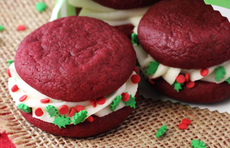 red velvet cookie sandwiches | classic christmas desserts