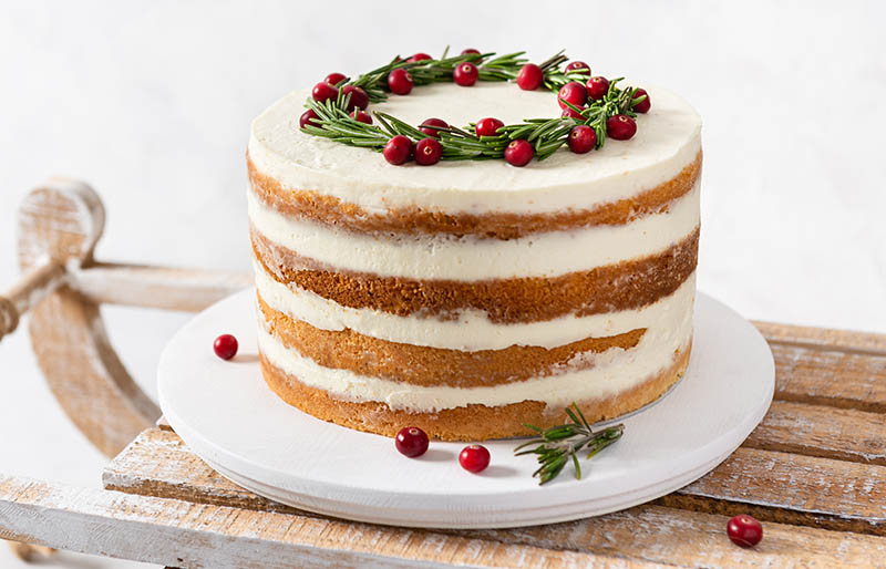 homemade christmas cake on rustic wooden | winter cake flavors