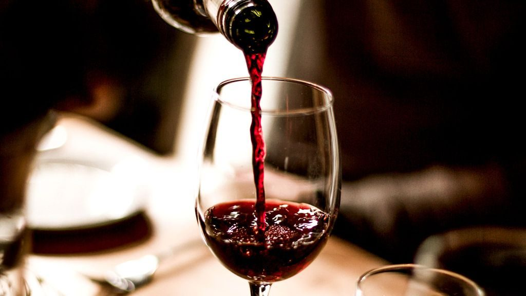 Check out 6 Things You Should Know about Red Wine at https://homemaderecipes.com/6-things-you-should-know-about-red-wine/