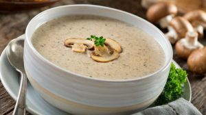 bowl delicious homemade cream mushroom soup | Soul Food Recipes | A Selection Of Satisfying Southern Goodness | Featured