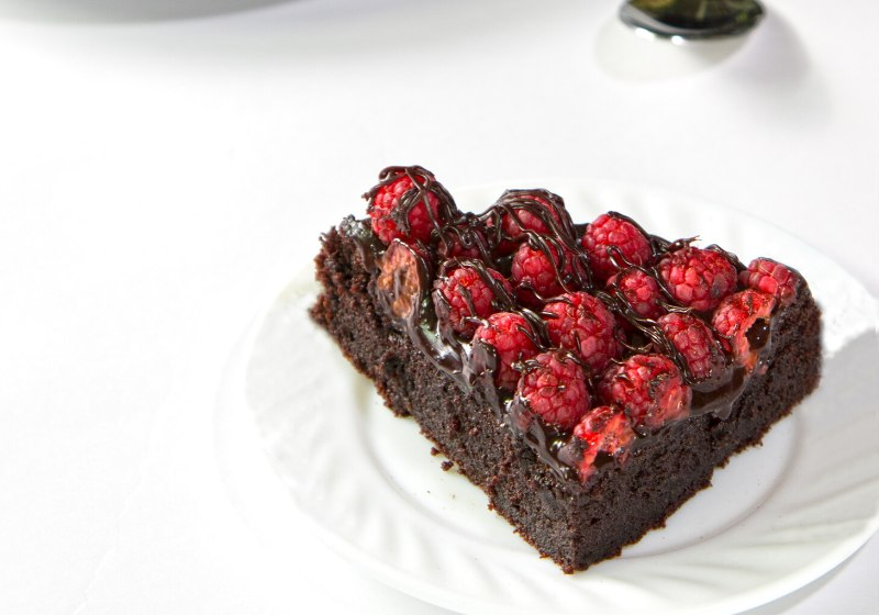 raspberry chocolate cake | amazing desserts to impress