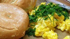 Breakfast scrambled eggs with chives and buns | How To Make Scrambled Eggs Perfectly Each Time | how to scramble eggs | Featured