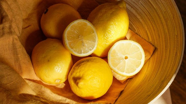 lemon-in-a-bowl | 5 Homemade Rust Remover Recipes That Work | Featured