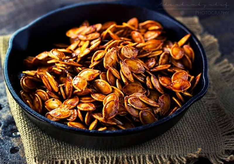 Spiced Honey Roasted Pumpkin Seeds | how to prepare pumpkin seeds for eating