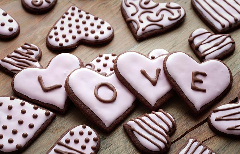 pink heart shape cookies day | valentine chocolate recipe
